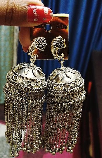 #jhumkas #jhumkalove #trendyearings #classy #silverfinish #traditional #ethnic #simple #elegant #stylestatement #earringsoftheday #lord-ganesha #ganesha #junkjewellery #ropo-love #soroposo
