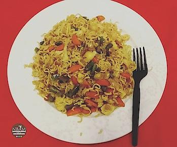 #whatsonmyplate 🍽 Masala Maggi 🍽 anyone?😉😀☺  Happy weekend buddies 😍🤗💕 #weekendspecial  #nbamcookbook  . . . . . . . . . . . . . . . . . . . . . . .  . #mobilephotography  #naturalbeautyandmakeup  #maggi  #eat  #noodles  #foodphoto  #foodpost  #simplefood  #homecooked  #homemadefood  #roposofood  #easycooking #foodfeed  #photographyy  #lifestyleblogger  #indianblogger  #hkigers  #instafoodpic  #instacooking  #roposocapture  #content  #dailypic  #followformore  #ropo-foodie  #vegetarianfood  #indianfood  #eater