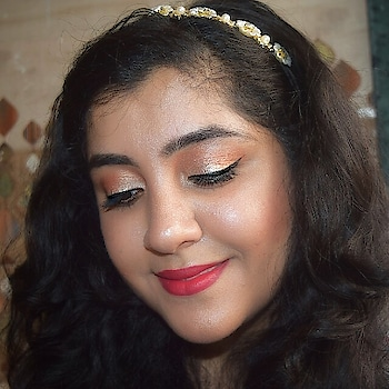 💄Wear Red lipstick and see the magic happen 💄 Watch how I createdthis look using @europegirl.cosmetics on my YouTube channel.  Link in bio 💄 Comment below if you are a red lipstick lover too. 💁 . . . . . . . . . . . #highlighting #prettysay #Indianbeautyblogger #indianmakeupblogger #pretty💗 #matte  #lipsticklover #style #cosmetics #macartistchallenge #ilovemakeup #makeuplover #lashgamestrong #makeupgeek #igmuas #makeupmafia #makeupartistsworldwide #makeupartist #EuropeGirlCosmetics  #wakeupandmakeup #makeupjunkies #beauty #glamgame #myartistcommunity #redlips #photography