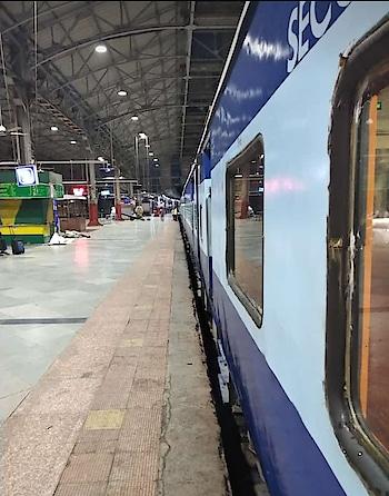 #bombay #railway #railwaystation  #train #journey