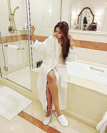 Thank you @venetianmacau for the incredible hospitality 🏨🛎 🤗 Truly enjoyed my stay & feel rejuvenated to take on 2018👍😎 . . . . . #wardrobesecrets #indianfashionblogger #indianlifestyleblogger #travelblogger #mumbaitravelblogger #indiantravelblogger #travel #travelinfluencer #mumbaitravelbloggers #indianbeautyblogger #indianbloggers