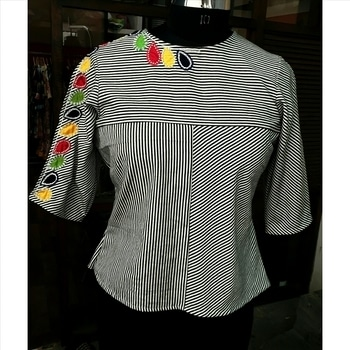 Our ' Stripes& Applique' cotton top is perfect for your weekend getaway #buynow #fashiondesigner #label #bhavnachhabria #shopnow #onlineshopping #roposofashion #roposolove #madewithlove #handmade #appliqie