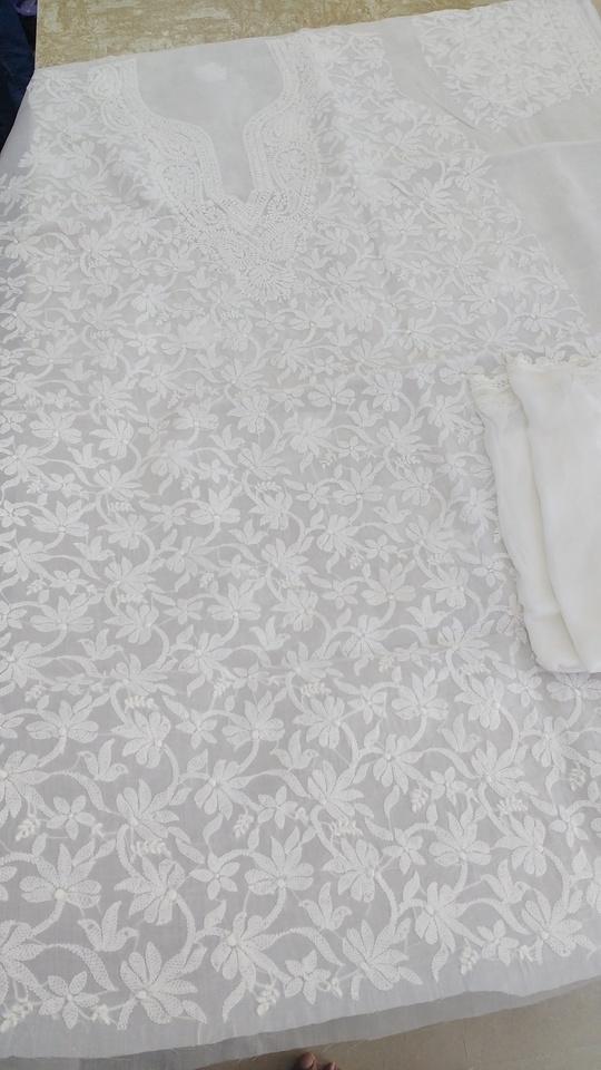 Presenting #lucknow #white #dressmaterial with pure chiffon dupatta.. Premium quality #chikan work for Rs3500/- including shipping..  #shivamchikan #shaaneawadhchikankari  #shaaneawadh #womenroposo #womenwear #womensfashion #whitelove #chikankari  #lucknowchikankari