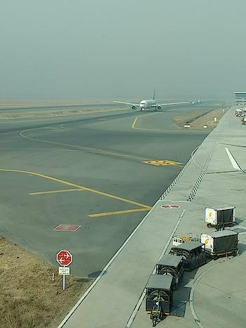 #photoshootdiaries #photographyeveryday #airport #terminal #ropo-style