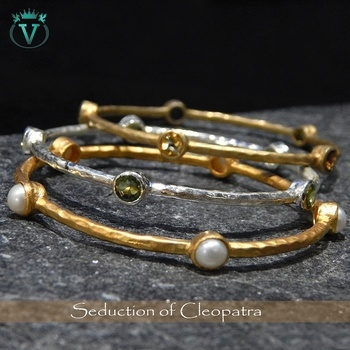 Delicate Handcrafted Couture...!  The V Collection providing you a wide range of Handcrafted Jewelry at- https://www.thevcollection.in  #jewelry #fashion #beautifuljewelry #bracelet #thevcollection #partywear #designerwear #handmadejewelry #onlineshop #womensfashion #girlystuff #handcraftedjewelry  #jewellery