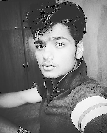 #autohash #Noida #India #UttarPradesh #people #portrait #music #bestsong #wear #musician #actor #retro #boy #art #singer #pensive #profile #outfit #writer #outerwear #monochrome