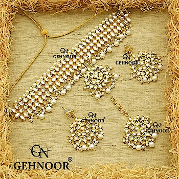 Affordable Chokers! 👑 . Grab our Bestselling Choker Set with Earrings & Maangtika available at an Amazing price! 💞 . These Beauties have received amazing reviews from our Customers and we just can't wait for them to fly off our shelves again! ❤️ . www.gehnoor.com 💻 . FREE SHIPPING anywhere in India 🚙 . Cash On Delivery Available across India 💲 . WhatsApp at 07290853733 📱 . www.facebook.com/Gehnoor/ . gehnoor@gmail.com 📝 . #bride #goldjewellery #kundannecklace #traditionaljewellery #indianbride #photooftheday #instabride #bridalwear #bridaljewellery #tags #like #likeforlike #followfollow #followus #followback #gehnoor #earrings #chandbali #kundan #everydayphenomenal #fashionblogger #indianfashionblogger #usa #canada #uk #saudiarabia #uae #choker