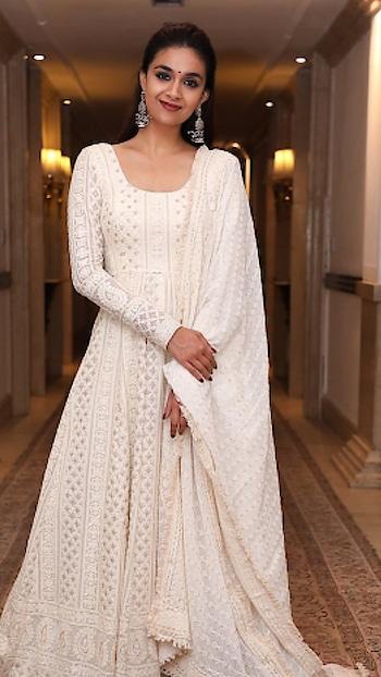 #keerthisuresh #heroine #whitedress #filmistaan #beats #wow #haha