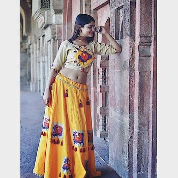 hellow sunshine💫 #madhayapradesh #tribalart #handpainted #shootmode #photoshoot #posingforthecamera #ootd #potdtbt