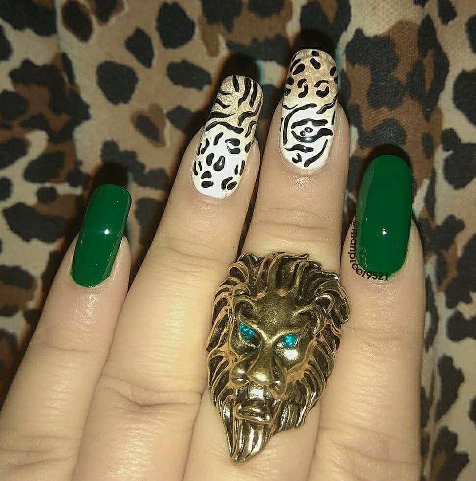 #NOTD @nykaabeauty #jungle #jungletribe #junglenails #night #nailart #fashion #nails #nailsofinstagram #nailswag #wmk #instanails #nailartaddict #makeup #happy #happyme #instagood #art #unhas #nailaddict #nailgram #kaur #gem #potd #lookatmynails #nailstagram #ring #nailartClub #lion #animal #roposo #roposonails #soroposo