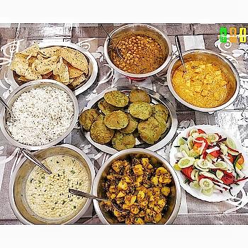 What would you like to start with ? . . . ❓Palak ki Puri, Cholle, Paneer Makhni, Boondi Raita, Papad, Salad, Aaloo Khasta 📌Home made 🚩10/10 . . . . . . . . ____________________________________________ . Follow me @theultimate_foodie Follow me @theultimate_foodie Follow me @theultimate_foodie Follow me @theultimate_foodie . ____________________________________________ . . . . HOME MADE FOOD #home #homefood #homelife #homecoming #homestyle #homecook #hometime #homemade #homemadecooking #homemadeisbest #homemadefoods #homemadefoodporn #food #foodgasm #foods #foodphotography #foodies #foodstagram #foodtruck #foodpic  #foodpics #foodlover #foodgram #foodblog  #foodblogger #foodlove #foodcoma #foodvsco #foodism