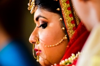 2017 started with being Mrs. ! ❤ What to know anything about being a bride, write in the comments and I might help you from my own experiences 😊 #brides #indianbride #bridalmakeup #weddingrituals #frommisstomrs #trendogue