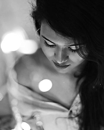 #inspiroindia #photooftheday #cafecorner #bookstagram #cafetime#potrait #potraitmode #potraitsocity #potraitoftheday #inspiroindia #photo #snapshot #art #beautiful #instagood #picoftheday #photooftheday  #all_shots #blackwhite, #black, #white, #bnw, #bnw_captures, #bnw_life, #bnw_society, #blackandwhitephotography #monochrome #monochromephotography