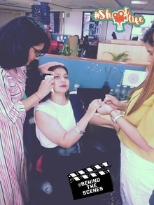 When your friends are all ready to help you get ready....cho chweet of you guys....huhhhhh just kidding people.  #behindthescenes #behindthecamera #shootlife #shootdiaries #gettingready #officelife#officediaries   Thanku Bitches @kanikakamra @asthabhatt #shootlife #behindthescenes