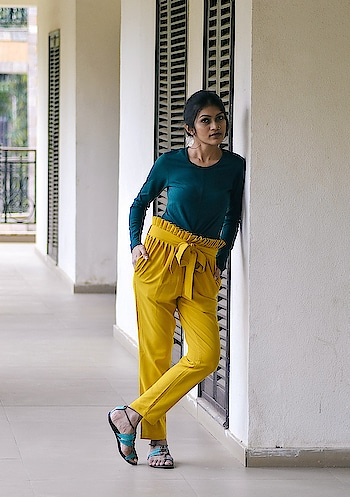 Summer is all about experimenting with colors!! Love my new pants from @smartypants 🙌🏻 . 📸- @ajayyparmar  Location- @discover_resorts . #thehetalgada #fashionblogger #fashioninfluencer #smartypants #casualwear #summerootd #summerseason #ootdwomen #indianblogger #loveit #discoverresort #ropo-style #ropo-good #roposo-style