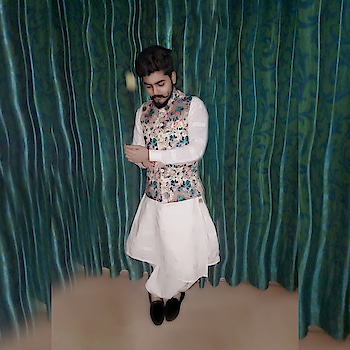 ।सवाई महाराणा देवराज सिंह सिसोदीया।    #jewellerylove  #luxurylifestyle  #ornaments  #ornamental  #ring  #pleasureloving #diamondlover  #sapphirering  #goldenlove  #fashionblogger  #fashionista  #fashion #royalprince #richkidsofinstagram #riches  #royalcollection #worldwidehandsome #asthetic  #hunk  #emeraldlovers  #lifestyleluxuries #richlife  #my  #royalcollection  #diamonds  #luxurydesign