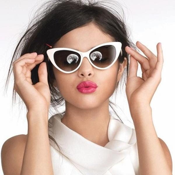 #FashionForward Sunglasses to Grab Every Eyeball This Fall | Check'em Out Right Away  #cateyesunglasses#cateyeglasses#sunglasses#aviators#sexysunglasses#coolsunglasses#stylishsunglasses  https://bestindianfashionblogger.tumblr.com/post/170117786446/5-sunglasses-trends-to-try-this-fall-to-grab-every