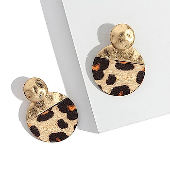Stay Untamed and Wild! 🔥 http://theredbox.co.in/en/product/wild-cat-earrings/ . . . . . #theredbox #crazysexycool #spiceitup #earrings #earringsoftheday #earringstyle #earringsfashion #fashionnova #shopping #shopping #vogue #chic #wild #wildcat #trendalert #trending #instadaily #dailypost #celebritystyle #celebstyle #untamed #website #onlineshoppingindia #india #delhi #chandigarh #stylepost #trendingnow #fashionjewelry #jewellerygoals
