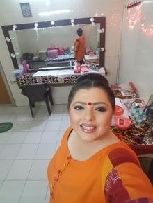 All ready to go ..late shoot ..my makeup room ..lights all around #AkbarBirbal #bigmagic #ranisaheeba #slashproductions @djpercy