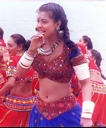 kajol.wearing arm bangles