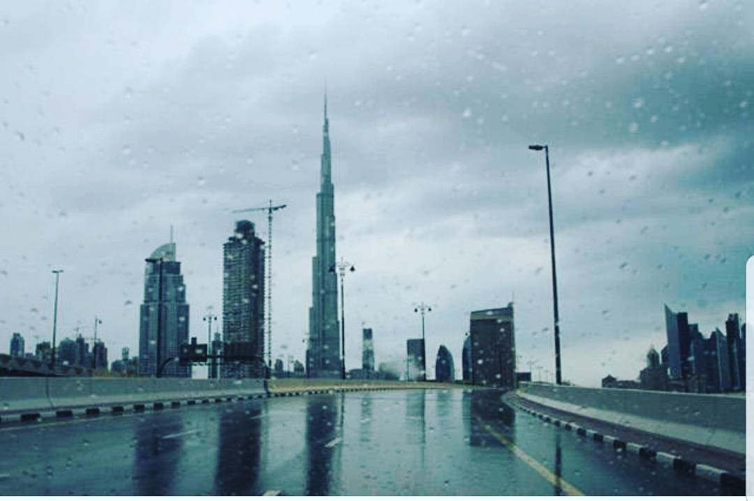 I love falling asleep to the sound of rain.❤#rain #dubai #dxb #itsraining #burjkhalifa #beautiful #weather #romantic #pic #picoftheday  #night #insta #photo #instagram #instamood #raining #picture #chill #awesome #veiw #love #dubai❤️