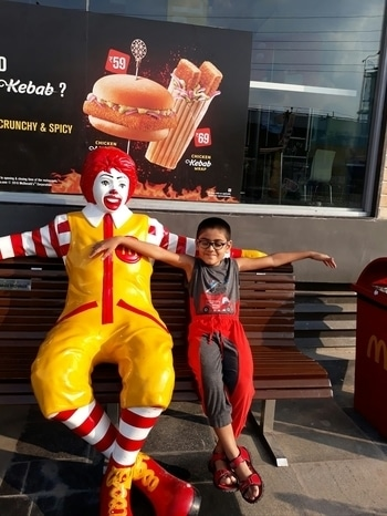 at McDonald's Hyderabad #foodblogger #roposo #roposogal