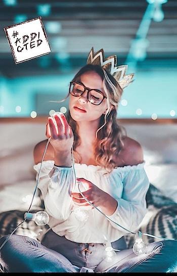 #photoshootdiaries #photographyeveryday #photoshooting #photographylover #bulbs #ropo-girl #trendyfashion #trendying #fashionmagazine #stylish girl #oktnxbye 😘😂 #addicted