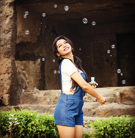 Wash your troubles away with some bubbles... PC @vardaansinghphotography #picoftheday #bubbles #bubble #bubblebath #loveforbubbles #lovethis #lovethem #happy #washout #trouble #troublemaker