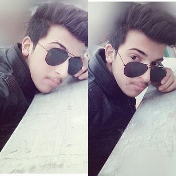 #black-and-white #reybansunglasses #reyben #hairsgoals #haircut #jacketlove #jacket