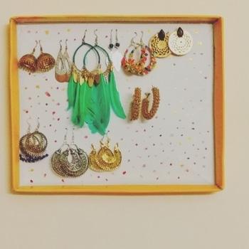 DIY Earrings Hanger🙂 #earrings #diy #diyfashion #diyblogger #bloggerdiaries #goldenearings #jhumkas #fashionblog #roposodaily