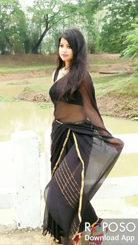 #forest #pond #blacksaree #blouse #juicy #figure #fashionquotient