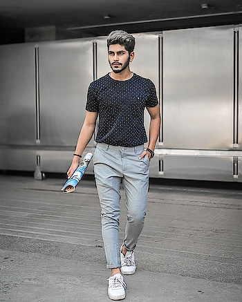 INTO GREYSCALE ! . . OUTFIT BY - @kollars.2018 . . SHOT BY - @thedaydreamstudio . . . Hair by - @hairfactorysurat . . #TSDFAM  #thestyledweller  #summer #casual #blue #breeze #allmonochrome #menwithstreetstyle  #menscasual  #menswear #mensclothing #fashionblogger  #fashioninfluencer  #fashion #trend #suratinfluencer  #indianinfluencer  #indianblogger  #surat #india