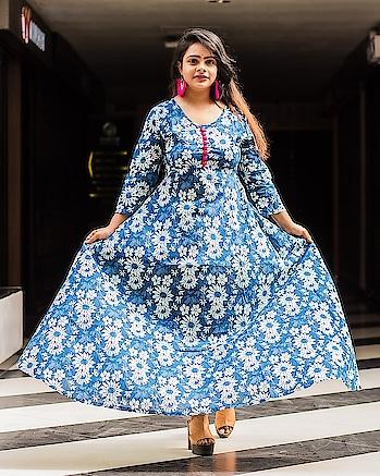 Shop in the name of LOVE 😻 📸 : @shubhrodeep_das . . . . . . . . #indianblogger #indianyoutuber  #photooftheday #vsco #instaphoto #prilaga #instadaily #tagsforlikes #styleoftheday #fashionista #summer #webstagram #prilaga #beauty #vscocam #instamood #instagood #instalike #fashiondiaries #whattowear #instastyle #bestoftheday #fashion #fashionblogger #fashionblog #styleblogger #instalove #amazing #pujajaiswal21 #thevoguestellar