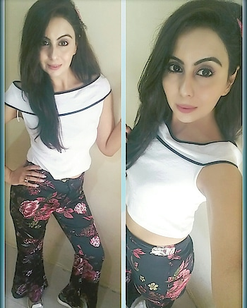 Fashion Alert 🚨  Correct Mix and Match gives you a fashion statement, specially when accompanied with Comfort ✌ OOTD:- Off shoulder top-@zara  Flaired pants-@luluandskyofficial  #fashionoftheday ##fashionalert  #mixnmatch  #statementfashion #comfortfashion  #styleincomfort  #offshouldertops❤ #zaratop  #flairedpants #luluandskyofficial #heels  #whitetop  #flowerprintpants #whiteheels  #bloggerinspo  #mumbaiblogger