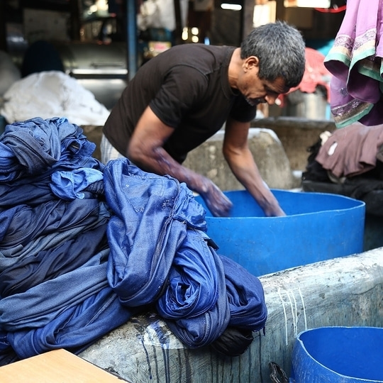 Monday blues. Washed away. #mondayblues #mondaymotivation #indiakala #traveldiaries #mumbai #mumbaiblogger #dhobighat #India #indianblogger #morehumanlessmachine