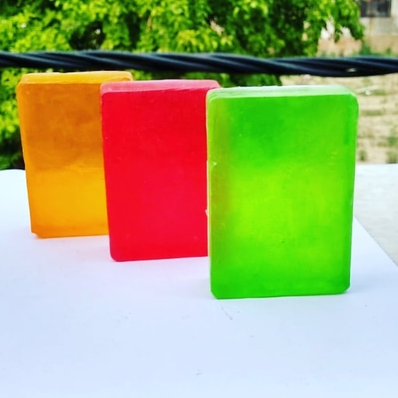#Fuschia #natural #handmade #slsfree #parabenfree #phthalatefree #mineraloilfree #soaps  #essentialoils #aromatherapy #colourful #madeinindia #nykaa #amazon #flipkart #chemicalfree #crueltyfree #fuschiabyvkare #fuschiasoaps