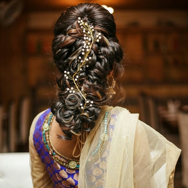 Drop dead gorgeous hairstyle ,,🙆🙆that hairdo is goals , very trendy and quirky hair for engagement ceremony look by  @sagar_hairstylish_trainer  And these stunning earring from @_diyjewelry This hairdo and earring made my look perfectly perfect 👌🏻   Details 👇given below👇 Hairdo by -@sagar_hairstylish_trainer  Earings -@_diyjewelry  Photography and editing by📷  -@abhimanyubirara  Outfit from -@thebutani   #fashionbloggerDelhi #thecutelookbook #fashionist #hairdo #hair #ethiniceear #stunninglook #ilovemywork #makeovertime #styling #traditionalwear #lookmode #fashionS #bloggingworld #bloggingpost #bloggermode #blogg #blogginglife #loveblogging #whattaday #keeploving #keepsuportting ✨✨✨✨