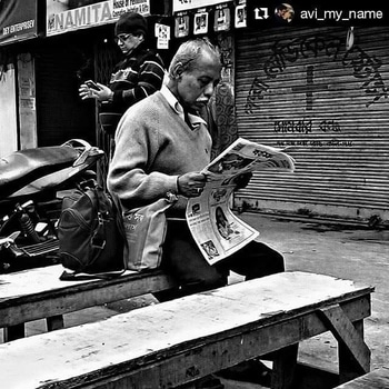 In a morning in Kolkata ....☕ | People differ hence their news reading differ too... | Winter in Kolkata .. | Repost @avi_my_name with @repostapp  #like #pic #picoftheday #photooftheday #goodmorning #winter #bnw_mood #bnw_captures #cholrasta_photography #thingstodoinkolkata #ig_calcutta #ig_click  #sokolkata #ig_India #bnw #bengal #kolkata #calcutta #india #soinlove #bnw_india #bnw #streetohotography #amateur_bnw #soi  #cityofjoy