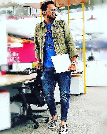 #ootd  #streetstyle  #casual  #backtobasics  #fashionista  #fashionblogger  #blogger  #fashion  #fashionmen  #half-jacket  #watch  #menaccessories  #casio  #gshock  #mac #levis  #spykarjeans  #styles  #menatwork  #menswearfashion  #dope  #stylistdiaries  #influencer  #picoftheday   #stylishmen   #indianblogger  #fallfashion