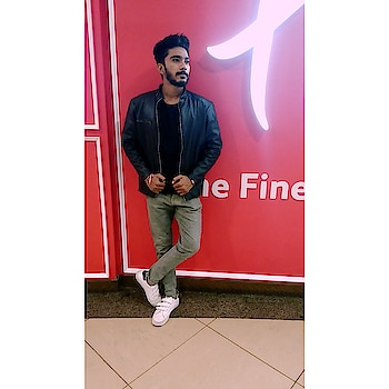 #versace #denim-love #royal #inorbitmall #vadodara #citylove #hemline #enjoy #photo-shoto #blackisbeautiful #beard #beardoil #swag #royalty #clubbing