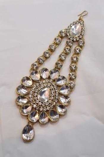 650/- #roposofashion #roposodaily #ropo-love #roposojewellery #roposobeauty #fashieonmoments #fashionearrings #trendingnow #trendycollectio #trendalert #funkyfashion #trendyearinngs #earrings #oxidized #roposotimes #roposojewellery #jewellery #jewellerylove #roposolive #roposogal #roposojewels #roposolove #accessorylove #accessorieslove #accessorize #roposoaccessories #roposoaccessory #jewellerylove #jewellerylover