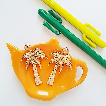 Vibes Don't Lie! #TropicalVibes http://bit.ly/2A7NnOG . . . . . #theredbox #crazysexycool #tropicals #palmsprings #earringaddict #earringfashion #trend2019 #orangecounty #goldjewelry #instatrend #followalways #fashionnova #wordoftheday #womenstyle #partying #wednesday #instadailyphoto #instashop #shoppingtherapy #celebrations #celebritywear #onlineseller #goodtimes #good #shoplife #goodvibes #vibes #vibe