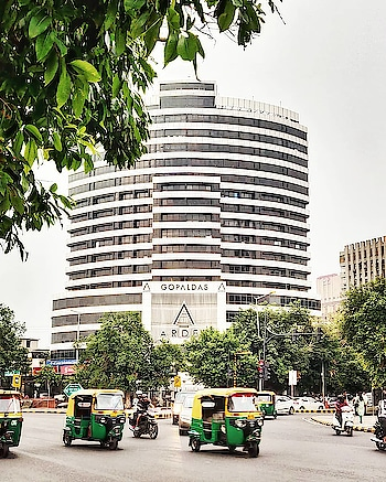 |•FOLIAGE•| • #cannughtplace #moringmood #sunnyday #photographyeveryday #photooftheweek  • #CNTGiveItAShot #outlooktraveller #natgeoyourshot #sodelhi #dfordelhi #delhigram #movingcompass #mypixeldiary #delhi6 #delhi #lbbdelhi #delhi_diaries #delhiblogger #delhistreets #_soi #_soidelhi #india_gram #indiaclicks #photooftheday #flirtwithyourcity #delhitimes #indiatravelgram #india_everyday #india_undiscovered #india_ig #incredibleindia