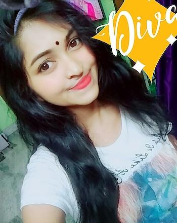 #bindi #traditionallook #nomakeupmakeup #onlylipstick #fashiondiaries #fashionfreak #prettygirl #sexyblogger #sexypink #me #bonggirl #happydays #roposo-fashiondiaries #roposoonair #diva