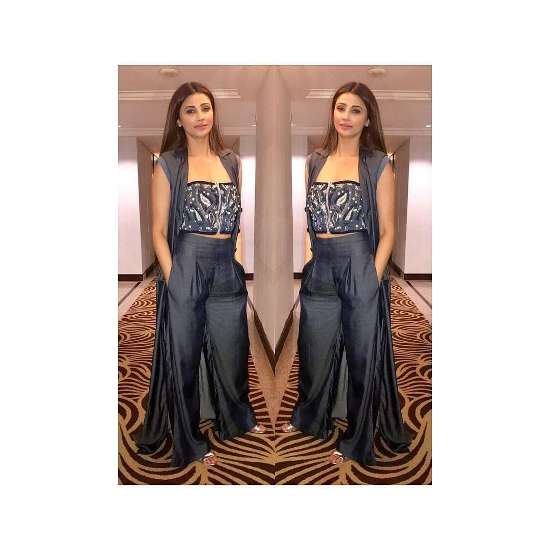 Dressing up @shahdaisy in an all denim look wearing #whirl by #NITYABAJAJ  #Repost @shahdaisy @trishadjani  @shahdaisy for an event in Delhi today in @labelnityabajaj and @stevemadden 💕  #fashion #fashionstyling #style #styling #stylefiles #stylediaries #stylefilebytrisha #bollywood #celebstyle #celebrityspotting #celebritystyling #denim  #newyork look #newyorker #daisyshah #actor #bollywood #viralbhayani #salmankhan #fashion #designer #labelnityabajaj #event #newdelhi  #daisyshahinwhirlbynityabajaj