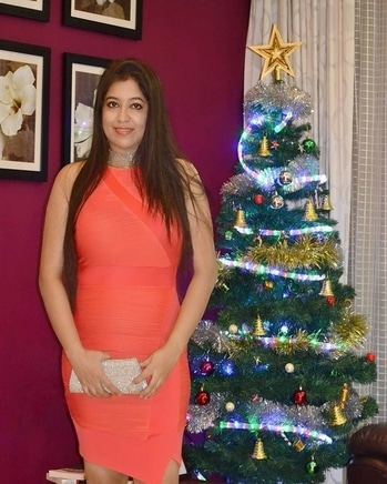 Christmas is just around the corner 🌲🌲🎁🎁❄️🎄🎆🎇#jinglebells # #coraldress #myfavoutfit #forevernew  #clutch  #fcuk #readytogo #forparty #roposolove #roposoogood #outfitofthenight #roposodaily #ropososhare