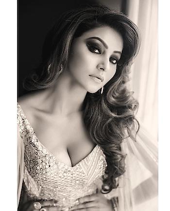 #urvashirautela #sexygirl #boobsgirl