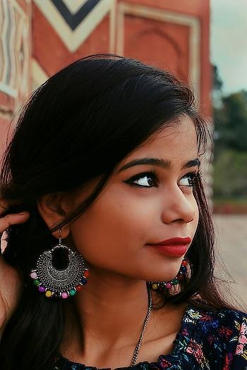 You were born original  Don't die a copy💙 . 📸 @lavish_patel_ . #photography #portrait_india #portrait #waahraipur #raipur #raipurian #tumblr #tumblrgirl #themedinstagram #photooftheday #earrings #ethnicoutfits #fashionblogger #fashion #indianyoutuber #indianblogger #indianfashionblogger #raipurblogger #youtuberindia #looks
