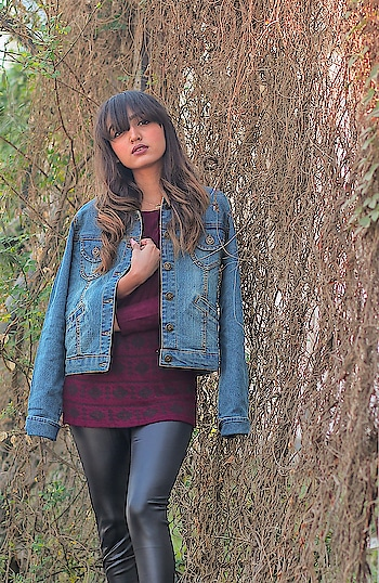 Denim jackets are love!💕 So many of you have seen me on insta stories that i am wearing this a lot since i have got it from @rawgmv. This is their brand new jacket collection which they have launched this month and i am so in love with it. . . 📷- @jalsa_photography . . #fashionblogger#fashioninfluencer#personalstyle#lifestyleblogger#bloggerlife#denimjacket#rawgmv#newjacketcollection#winteroutfit#warmclothes#winterfeels#postoftheday#riyalekhadia