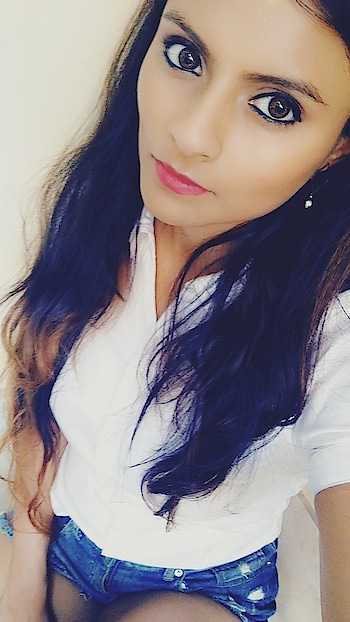 In a sea of people my eyes will always search for you. #selfie #shorts #longhair #white #blue #shirts #shirtsforwomen #ootd #look #redlips #pretty #eyes #makeupbyme #ropo-love #ropo-good #ropo-style #ropo-beauty #roposoaddict #art  #my-eyemakeup  #ropo-fashion #fashion #styling #ropomood  #makeupforindianpakistaniskintones  #model
